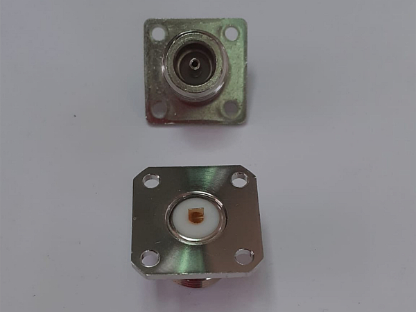 Spina N da circuito stampato con flangia